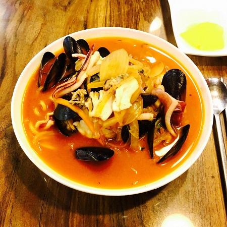 recette soupe de moules au colombo - épices du monde