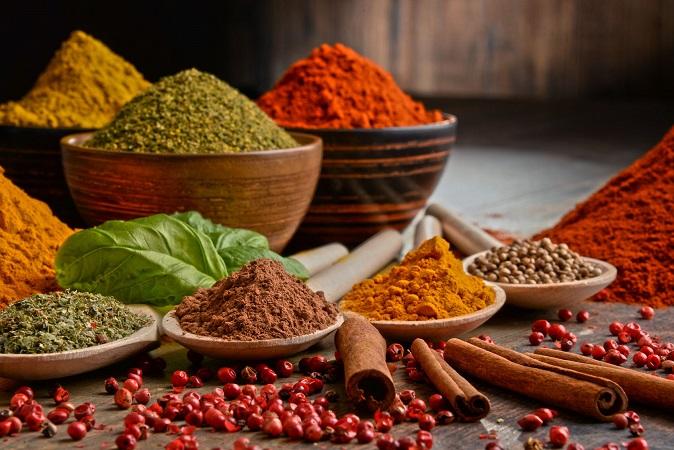 curry-mélange-dépices-universel-épices-du-monde