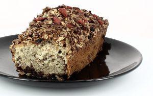 Gâteau aux mûres, muesli graines de chia et baies de goji