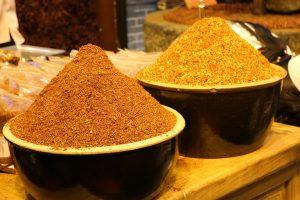 ras el hanout jaune rouge - achat, utilisation, bienfaits - épices du monde