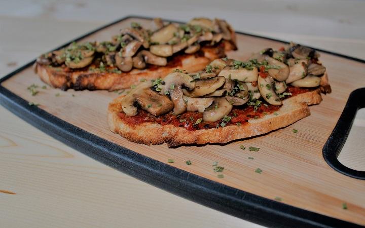 recette apéro -Tartine aux champignons et ciboulette - épices du monde