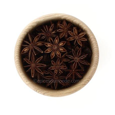 badiane entiere anis etoile
